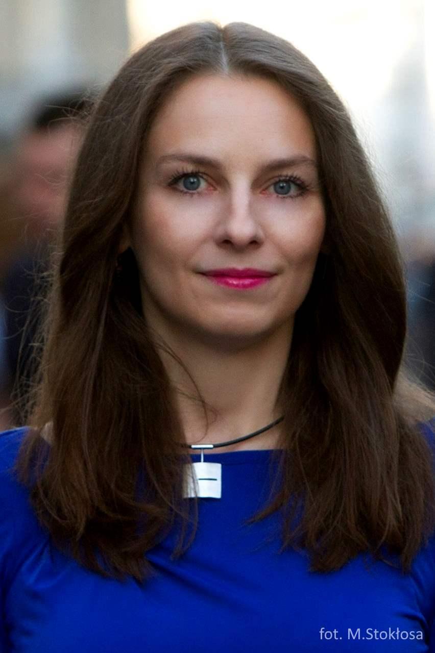 Dr Justyna Smoleń-Starowiejska